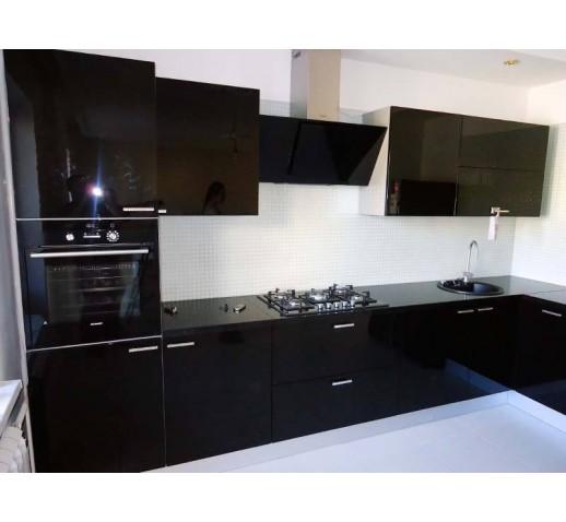 Кухня из акрила цвет черный